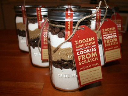I've always wanted to gift a mason jar cookie mix
