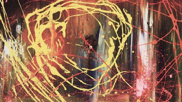 Tarantino ma bolognese d'adozione, esordisce nell'arte dapprima come fotografo ,in seguito scopre che il genere a lui più congeniale è la pittura; inizia dunque a sperimentare i cromatismi e le loro miriadi di possibili composizioni poi si dedica allo studio della figura, che in questo pittore non è mai di carattere tradizionale ma per lo più improntata verso canoni più compatibili con lo stile espressionista, senza trascurare una vena spontanea che lo conduce, in molti suoi lavori, verso…