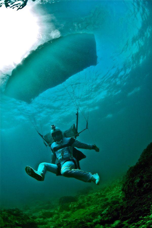Fotos subaquáticas de Mike Burdon. Paraquedismo, Swoop, FreeFly, técnica, diversão e muita água.