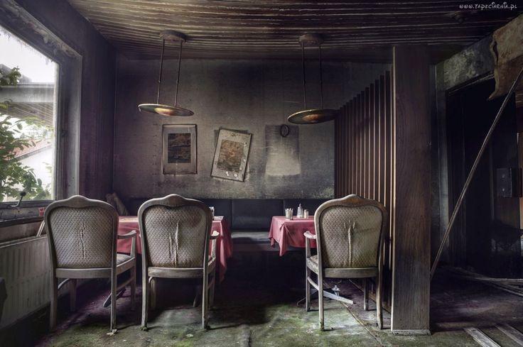 Zniszczona, Restauracja