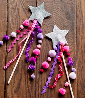 DIY Glitter Star Wand | Leuk bij je kookfeestje met hapjes op een stokje: Knutselen met een stokje : toverstaf #kinderfeestje #kookfeestje #op_een_stokje
