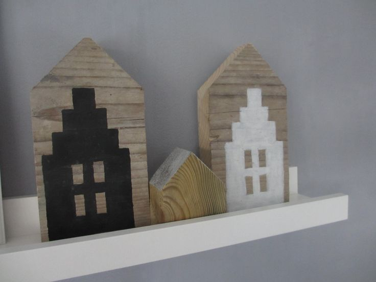combi van gevelhuisjes met klein houten huisje