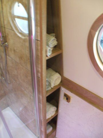 122 best Inspirational narrowboats images on Pinterest   Houseboats, Narrow boat and Narrowboat ...