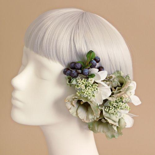 やわらかな輪が広がるようにゆったりと咲き誇るトルコキキョウ。アンティーク感漂う繊細な大人色であしらった、ヘアピックタイプの髪飾りセットです。 緑 グリーン トルコキキョウ 髪飾り5本セット/アーティフィシャルフラワー(造花)