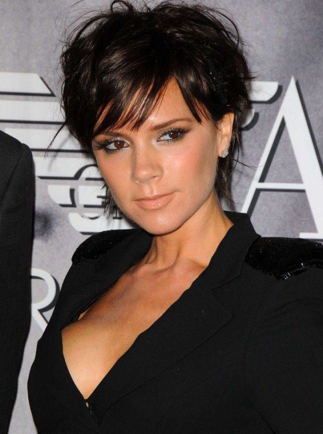 Victoria Beckham livre son secret pour une peau parfaite ! | Cheveux courts victoria beckham ...