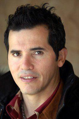 コロンビア人のハリウッド俳優、ジョン・レグイザモ