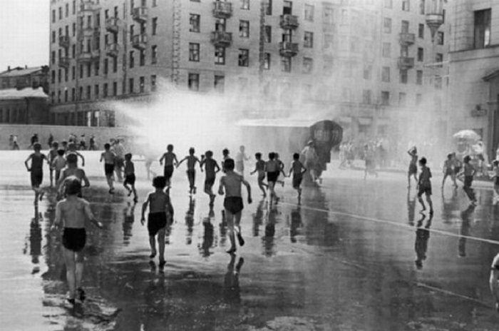 Летний душ для городских детей.