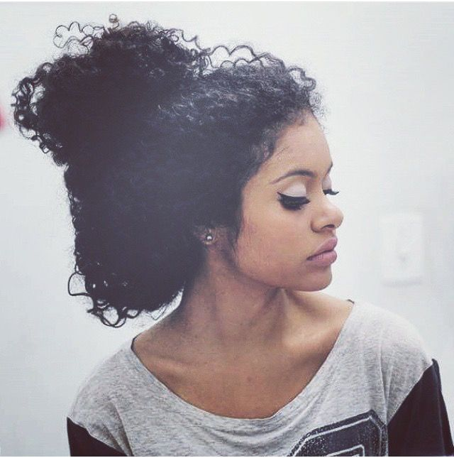 Terrific 1000 Ideas About Messy Curly Bun On Pinterest Curly Bun Updos Short Hairstyles Gunalazisus