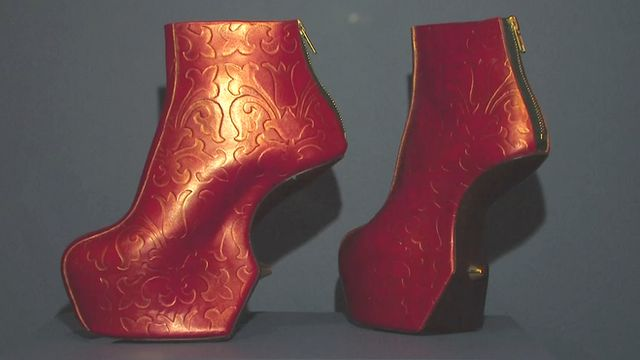 Why humans have always worn uncomfortable shoes - BBC News
