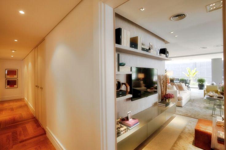 Corredor leve e lindo...  http://www.corretorpessoal.com/apartamentos-na-mooca-lancamento-onde-comprar-com-economia-imoveis-zona-leste-sp/