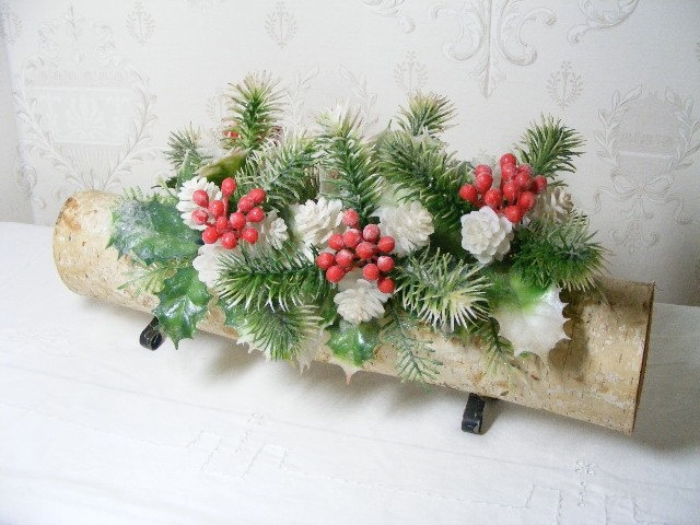 Christmas YULE LOG Centerpiece, Vintage 60s, White Birch, Folk Art, Holiday, Mantle Decoration