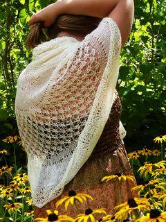 Eglantine pi shawl by Ambre Nid de Vigogne - free