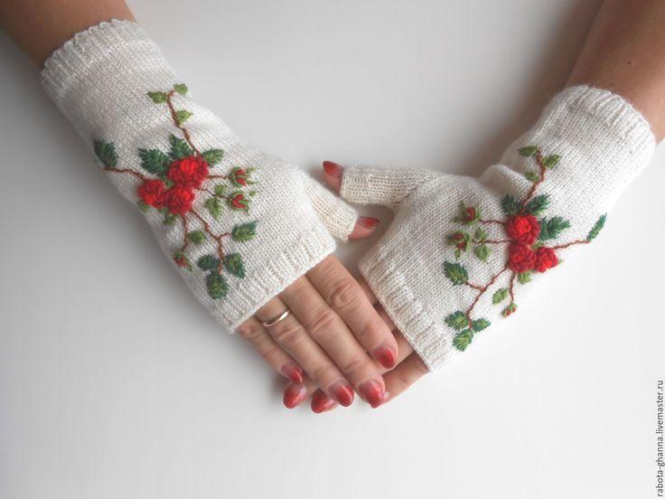 Купить Вязаные шерстяные митенки с вышивкой - белый, цветочный, молочный, вышивка ручная, вышивка на одежде