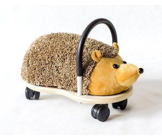 Wheelybug Egel klein, Geef de egel een rondleiding door je huis! geschikt voor kinderen van 1 tot en met 4 jaar. Afneembare egel hoes inbegrepen.   http://www.planethappy.nl/wheelybug-egel-klein.html