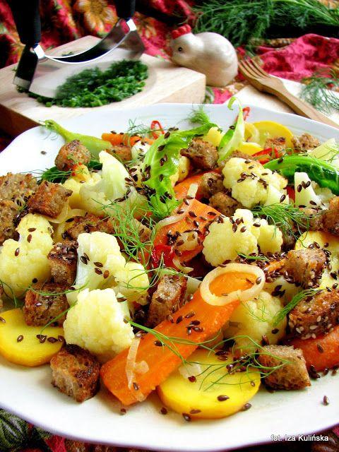 Smaczna Pyza: Chrupiąca sałatka z młodych warzyw na ciepło - http://smacznapyza.blogspot.com/2013/07/chrupiaca-saatka-z-modych-warzyw-na.html
