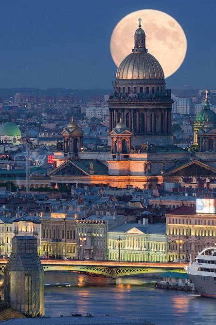 packlight-travelfar:  (via 500px / Moon over Isaac's cathedral by Ivan Smelov)