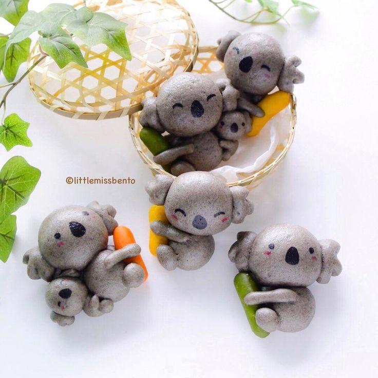 13.6 тыс. отметок «Нравится», 128 комментариев — Little Miss Bento・Shirley シャリー (@littlemissbento) в Instagram: «Another steam bun idea for you! Black Sesame Koala baos hugging little sausages.  Yes, those are…»