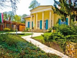 Villa Barabás, oggi centro culturale