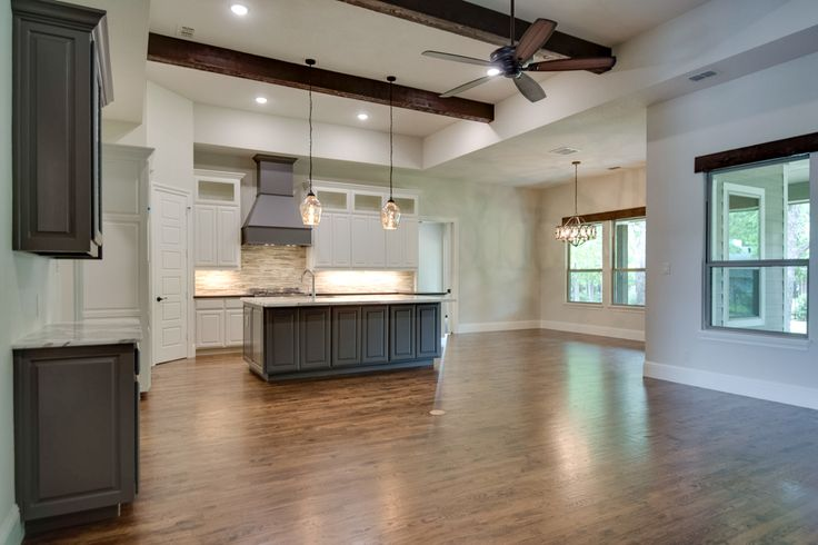 528 Ellison Trace, Argyle, TX 76226 #dreamhome #interior #interiors #interiordesign #dfw #dallas #greenhome #customhome #architecture #kitchen #dreamkitchen #kitchenisland