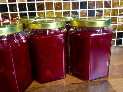 Consumați borș roșu dacă aveți probleme cu ficatul. Aflați cea mai simplă rețetă de borș cu sfeclă pentru un ficat sănătos! -