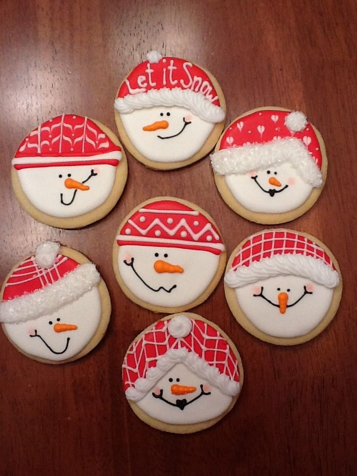 Snowman cookies with round cookie cutter inspiration