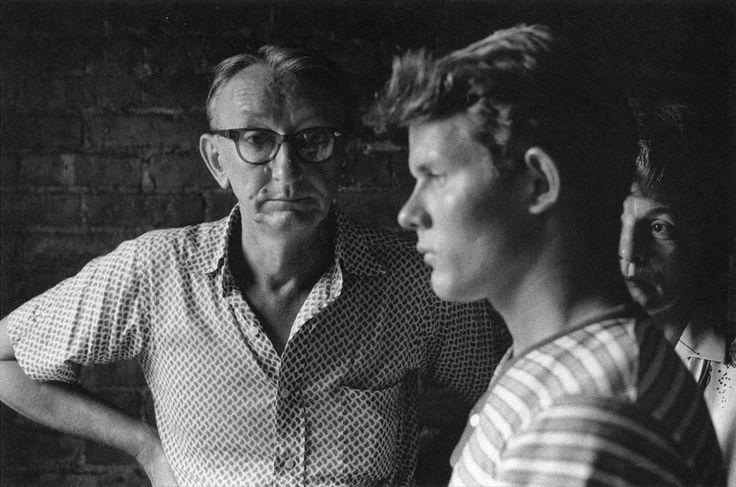 personelmare:Ritratto di famiglia by Duane Michals (1975)