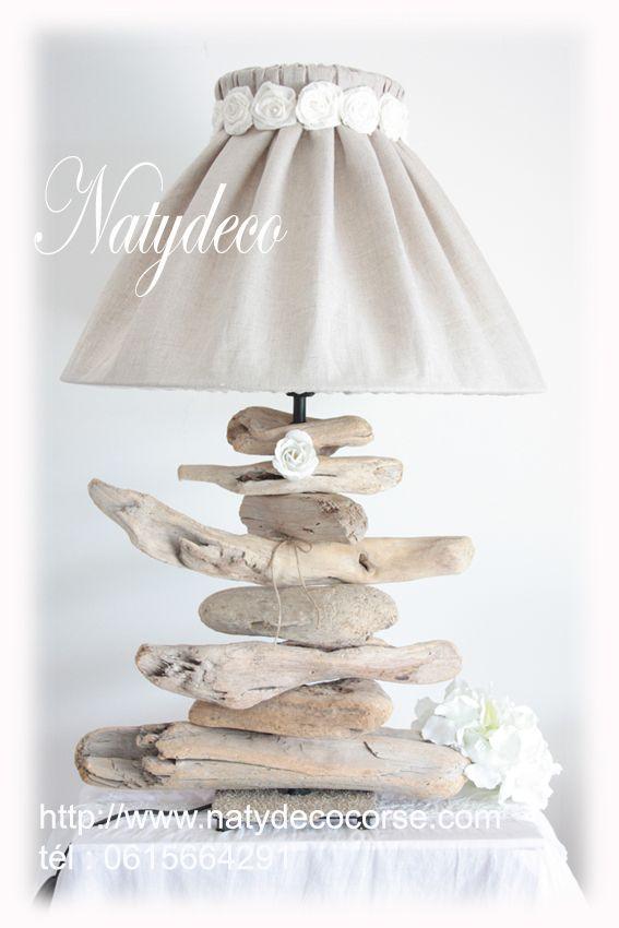 Lampes en bois flotté NATYDECO pièce unique avec abat jour déhoussable écru et fleurs taupe en lin http://www.natydecocorse.com