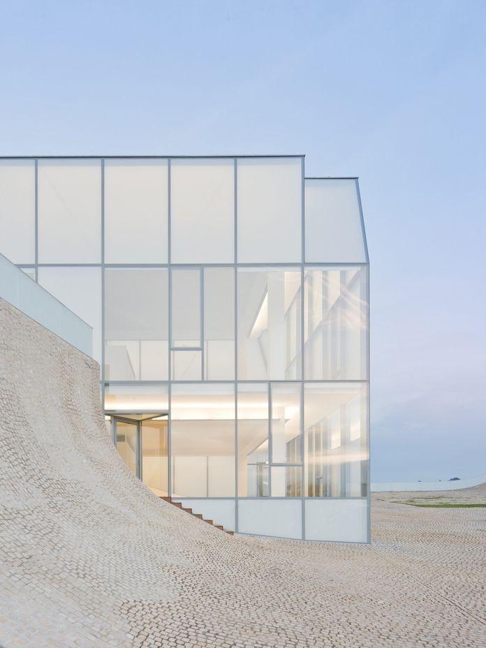 Architecture we like / Glas / frame / Clean / Floor / White / at lookatthisstuff