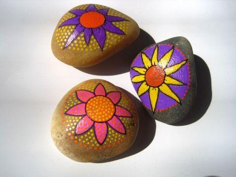 3db kézzel festett virágos kavics, Dekoráció, Otthon, lakberendezés, Ünnepi dekoráció, Meska