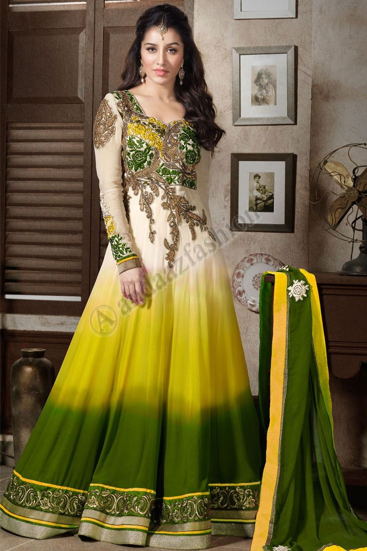 Crème costumes vert Georgette Conception no- DMV13024 Prix- 61,81 € Type de robe: Suit Anarkali Tissu: Georgette Couleur: crème et vert Décoration: Brodé, Resham, pierre, Zari Pour plus de détails: http://www.andaazfashion.fr/salwar-kameez/dress-materials/cream-green-georgette-suits-dmv12821.html