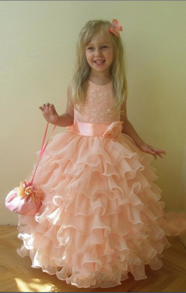 New Charming Cute Ball Gown Flower Girls Dresses #FlowerGirlDress #flowergirl #bridal #cute  #specialoccasiongirls #disneyland #disneprincess #disney #sofiathefirst #princessofia   #weddingtips #weddingideas #flowergirl #ceremony #flowers #weddingflowers #flowergirls #kids #adorable #weddingplanner #villarusso #queens #queensvenue