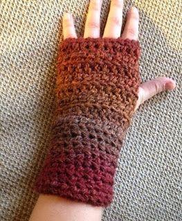 free simple fingerless gloves crochet pattern