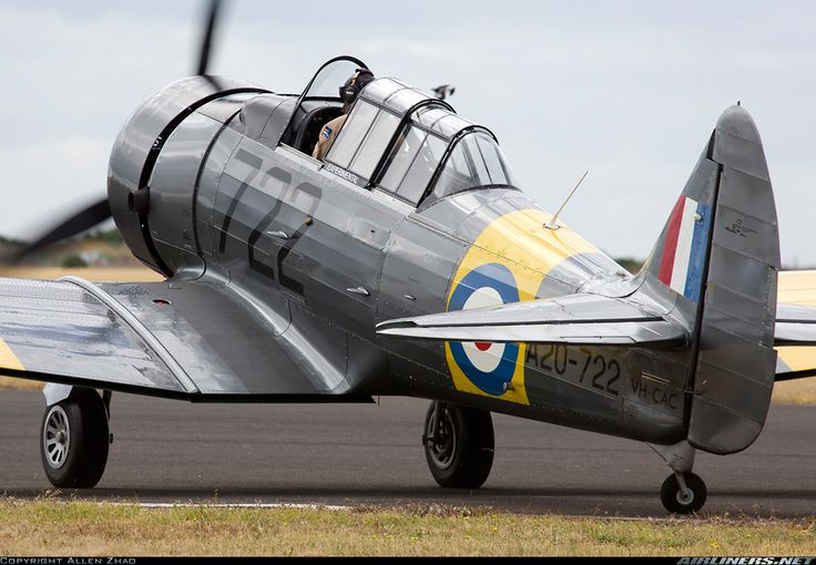 Commonwealth CA-16 Wirraway - VH-CAC / A20-722 (cn 1174) Taxiing for the performance.