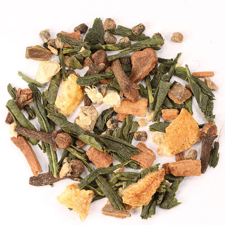 Té Verde Chai // Un té verde de China con los cálidos sabores a canela, cardamomo y jengibre. Un aroma opulento e incitante, un sabor estimulante y un final generoso.