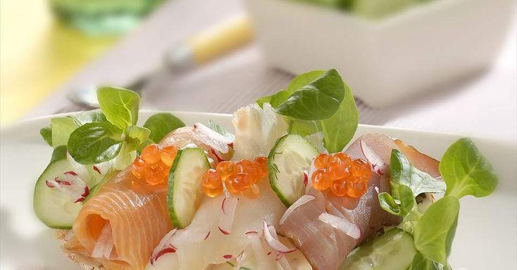 Aprende a preparar Tostadas de pescados ahumados con las recetas de Nestle Cocina. Elabórala en casa con nuestro sencillo paso a paso. ¡Delicioso! #NestleCocina