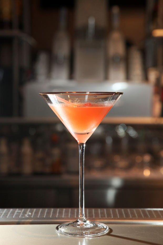 Nos 80 anos do Bloody Mary, aprenda a fazer uma versão exclusiva do drinque
