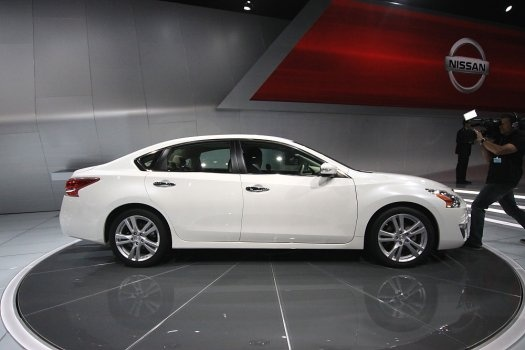 Nissan Altima.. And yes @Debbie Westera, I'll take yours off your hands!