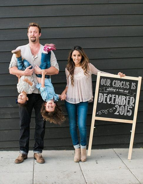 These 24 sibling pregnancy announcements are so cute, and so creative! They are great picture ideas to announce a pregnancy using older siblings!