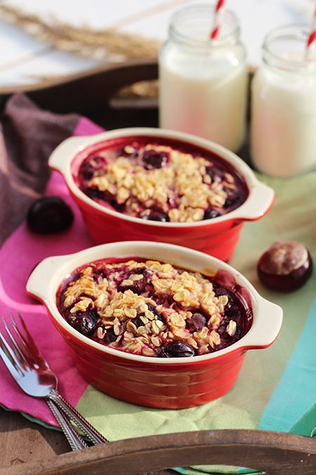 Pieczona owsianka z wiśniami - najlepsze ciepłe i zdrowe śniadanie