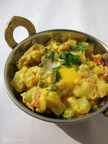 Vajickovo - hraskove kari / Eggs and peas curry