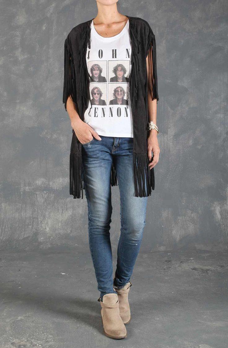 T-shirt femenina con sisa ancha y estampado de John Lennon. Compra en Tennis.com.co - tennis