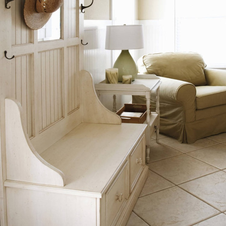 entry wayDesign Inspiration, Feng Shui, Decor Ideas, Shui Maine, House Ideas, Entryway Benches, Entry Decor, Design Ideas, Maine Entry