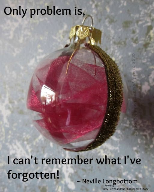 Crafty Distractions: Harry Potter Remembrall ornament craft Well, now I know what I'll be making for Christmas presents ;)