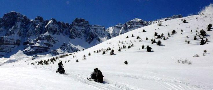 Vive una aventura única en moto de nieve con @tenapark