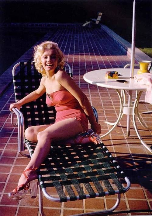 Marilyn in a photoshoot for Coca Cola by Harold Lloyd, 1953.