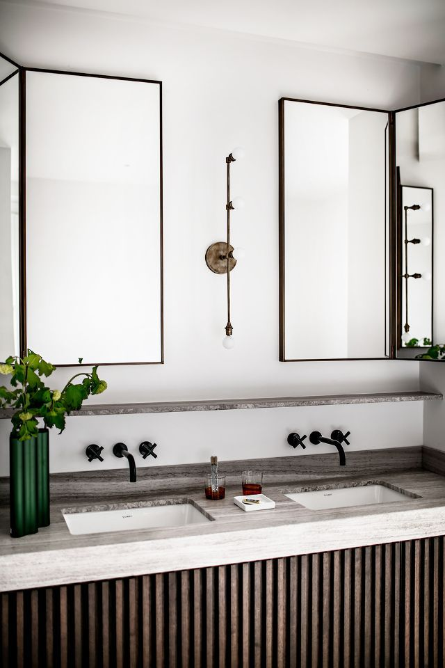 French Bathroom | PHOTO: Benoit Linero for JeanCharles Tomas Interior Architecture