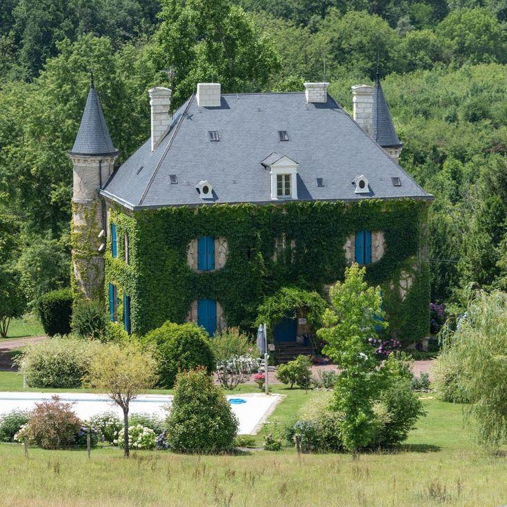 Magnifique maison avec toiture en ardoise naturelle |  #ardoise #toit #design #architecture #maison #CUPAPIZARRAS
