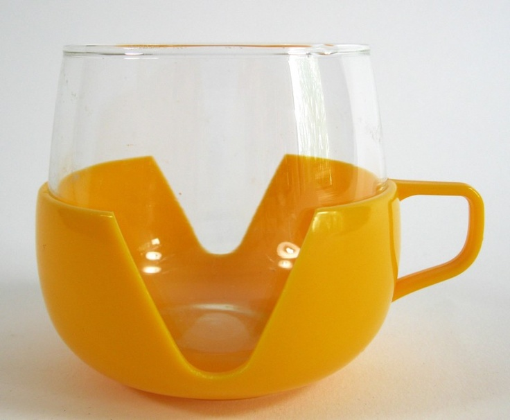 Theeglasses with yellow plastic holder