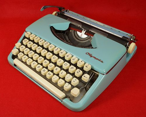 Vintage Olympia Werke Portable Manual Typewriter Western Germany Turquoise Blue   RD10412  Go back to Tin Can Alley - FOR SALE: http://www.bagtheweb.com/b/PBdAfQ