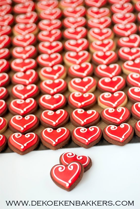beautiful, simple valentines day cookies